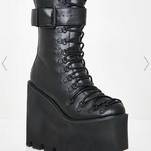 curren mood traitor platform boots
